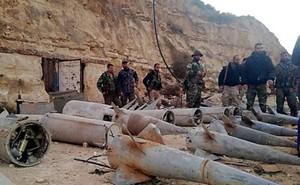 """Quân đội Syria phát hiện hàng chục đầu đạn tên lửa S-75 và S-125 của """"quân nổi dậy"""" ở Daraa"""
