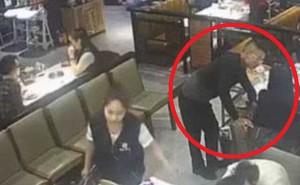 Vô tình thấy bạn gái đi ăn cùng trai lạ, nam thanh niên lập tức hành động mạnh tay