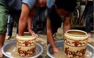 Vợ chồng nghèo đào được bình cổ có hình hổ vờn nhau, bán 400 triệu đồng ở Nghệ An