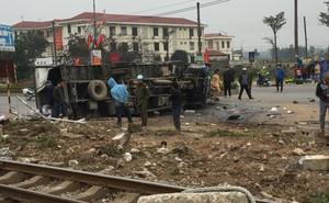 Va chạm với tàu hỏa trưa 28 Tết, tài xế xe tải ở Hưng Yên tử vong