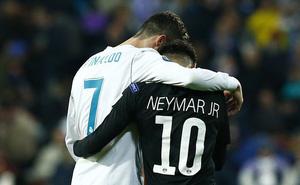 Ronaldo nhận tin dữ điếng người sau kỷ lục để đời ở Champions League