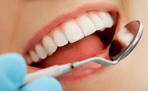 Chân răng dễ chảy máu, có nguy hiểm