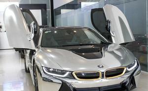 BMW i8 dán decal chrome bạc độc nhất Việt Nam rao bán lại giá 3,9 tỷ đồng