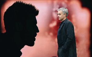 """Man United sẽ trở lại, bởi Mourinho đã có """"chàng ngự lâm quân"""" của mình"""