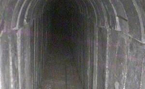 """Israel phá hủy đường hầm """"khủng"""" xuyên dải Gaza"""