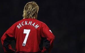 """Tiết lộ nhân vật dám """"chiến"""" với Sir Alex để Beckham được mặc số áo huyền thoại"""