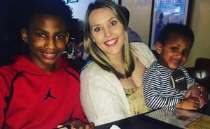 Nhận cậu học sinh 12 tuổi làm con nuôi, cô giáo 26 tuổi làm nên điều ít người ngờ tới