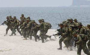 """Philippines – Mỹ diễn tập """"tái chiếm lãnh thổ"""" gần bãi cạn Scarborough"""