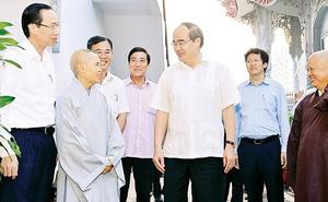 Bí thư Thành ủy TP.HCM Nguyễn Thiện Nhân thăm cơ sở tôn giáo ở Thủ Thiêm
