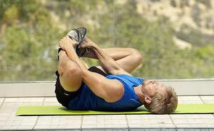 """13 động tác thể dục giúp quý ông nâng cao khả năng """"yêu"""": Lứa tuổi nào cũng nên tập"""