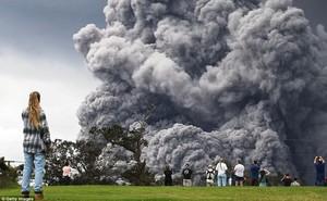 Hawaii cảnh báo đỏ: Núi lửa hoạt động mạnh, cột khói cao đến hơn 3.600m