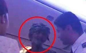 Ăn xin trên máy bay ở Qatar