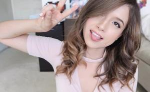 Nữ streamer Maroc xinh đẹp và hot không kém gì PewPew trong cộng đồng eSports Việt