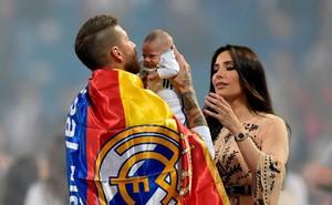 Trở về từ thất bại World Cup, thủ lĩnh Tây Ban Nha hỏi cưới người tình 6 năm