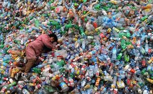 Nếu rác nhựa gây khủng hoảng như thế thì tại sao không cấm dùng đồ nhựa luôn? Câu trả lời không đơn giản như bạn nghĩ đâu