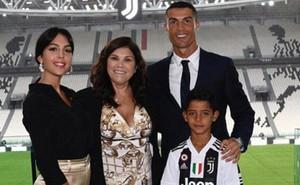 """Mẹ Ronaldo: """"Thật dối trá khi nói tôi muốn Ronaldo trở lại Man Utd"""""""