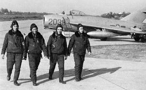 """MiG-17 và cách đánh """"quần"""" ở độ cao thấp"""