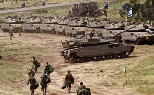 """Israel dồn tăng, pháo áp sát biên giới Syria: Chuẩn bị tấn công - Chỉ chờ 1 """"mồi lửa""""?"""