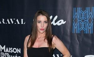 Đây là bằng chứng mẹ Justin Bieber giận vì con trai đính hôn với Hailey Baldwin?