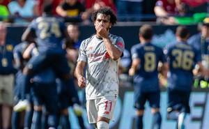 Ngôi sao sáng nhất Liverpool khó chịu ra mặt vì bị đồng đội giành mất quả đá 11m