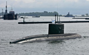 """Philippines muốn mua tàu ngầm Nga, Mỹ cảnh báo: Moscow là đối tác """"không đáng tôn trọng"""""""