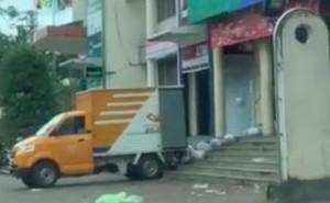 Gia Lai: Nhân viên bưu điện ném hàng của khách bị đình chỉ