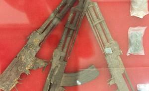Ba khẩu súng của liệt sĩ Quân tình nguyện Việt Nam