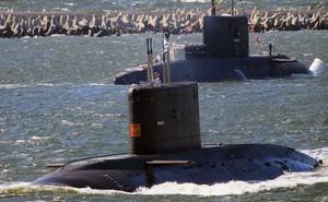 """Tàu ngầm Nga chơi trò """"mèo vờn chuột"""" với Hải quân NATO"""