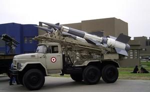 """Syria """"giăng lưới"""" hệ thống tên lửa S-125 ở Damascus"""