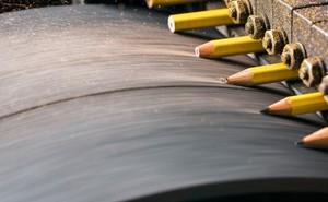 Đột nhập một trong những nhà máy sản xuất lõi bút chì cuối cùng của Mỹ, tất cả thực sự rất tuyệt vời