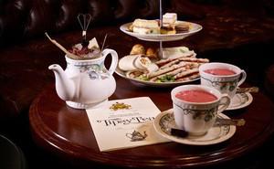 Câu chuyện thú vị đằng sau sự yêu thích đến ám ảnh với trà của người Anh