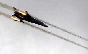 Nga trút bão lửa hủy diệt đoàn xe chở hơn 100 phiến quân Syria ở Idlib