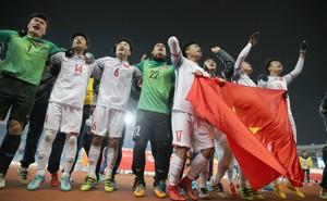 Đàm Vĩnh Hưng khóc mếu máo khi U23 Việt Nam chiến thắng