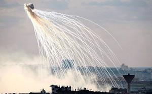 Độ hủy diệt từ bom phốt pho mà liên quân Mỹ bị tố dùng ở Syria ra sao?