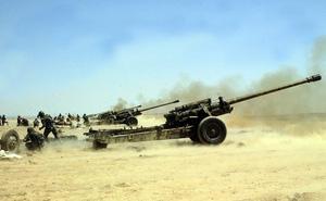 Pháo binh, tên lửa quân đội Syria tập kích dữ dội lực lượng Hồi giáo cực đoan ở Hama, Idlib