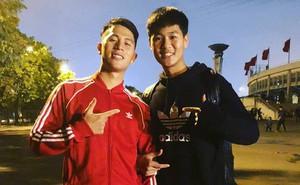 Được tiếng là thanh niên nghiêm túc của tuyển Việt Nam nhưng ở cạnh em trai, Trọng 'Ỉn' lầy lội thế này đây