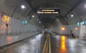 Có gì bên trong hầm Cù Mông sáng nay thông xe?