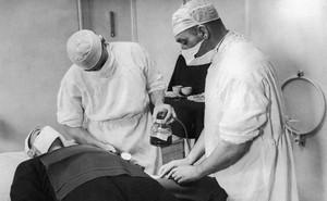 Hội chứng K: Căn bệnh bí hiểm thời Thế chiến 2 hay cú lừa ngoạn mục dành cho Đức Quốc xã?