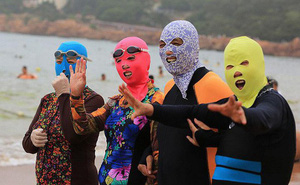 Hà Nội, Sài Gòn dắt tay nhau vào mùa nóng chảy mỡ, học ngay các chị ninja bí kíp tránh nắng bất ngờ