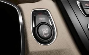 Ô tô đang chạy bấm nút động cơ Start/Stop có ảnh hưởng gì?