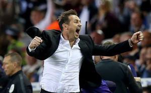 Frank Lampard dẫn cả đội Derby County 'quẩy' tung quán bar sau khi thắng bán kết thăng hạng
