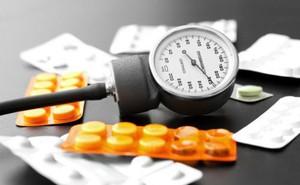 Vì sao uống thuốc đều đặn mà vẫn không kiểm soát được huyết áp?