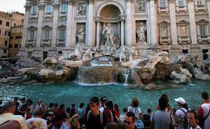 Roma: Chính quyền và nhà thờ tranh nhau số tiền xu 40 tỷ do du khách ném xuống đài phun nước cầu may