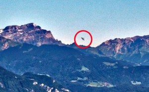 UFO xuất hiện ở dãy núi Alps, Thụy Sĩ?