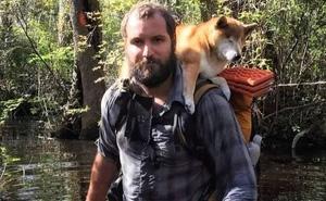 Chuyện cảm động về chàng phượt thủ cõng cún cưng bị mù trong chuyến du ngoạn ngàn dặm