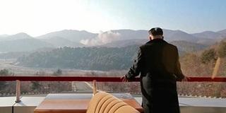 """Uẩn khúc lịch sử khiến Triều Tiên """"thu mình tự vệ"""" bằng súng đạn"""