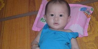 Mẹ qua đời vì từ chối xạ trị ung thư: Bé trai được giữ lại ngày ấy giờ ra sao?
