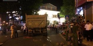 Hà Nội: Người phụ nữ bị xe tải cán tử vong