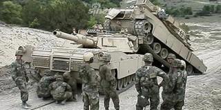 [ẢNH] Những sự cố hy hữu xảy ra với xe tăng chiến đấu chủ lực