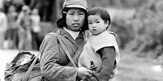 Bức ảnh cô bộ đội bế em bé trong chiến tranh biên giới 1979: Ngược dòng lịch sử qua lời nhân chứng